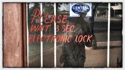 Please  Wait 3 Sec. Electronic Lock
